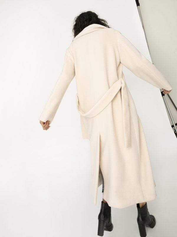 IBlues Cream Coat 01