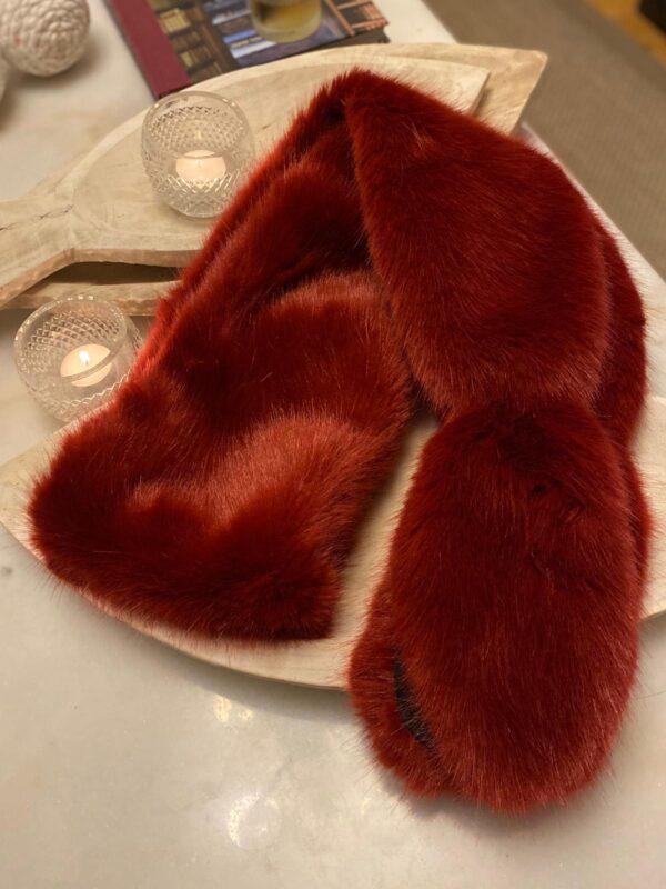 Helen Moore Slim Vixen Scarf In Crimson